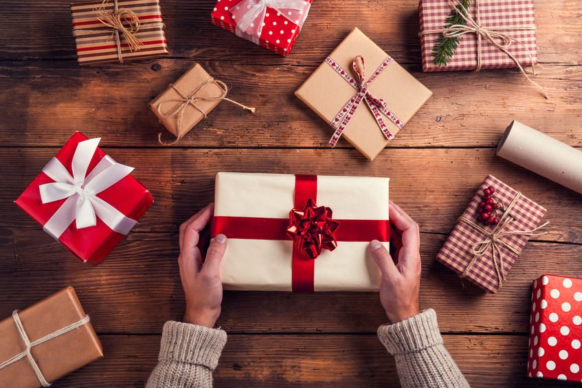 Guide to Gift Giving for the Holidays